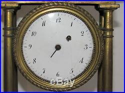 03C1 ANCIENNE HORLOGE A COLONNES BRONZE DORE EPOQUE XVIII e LOUIS XVI DIRECTOIRE