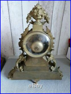Ancienne Pendule En Bronze