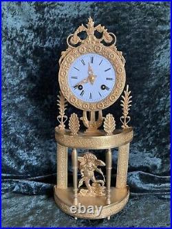Ancienne Petite Pendule Portique Bronze Dore Mouvement A Fil XIX Siecle