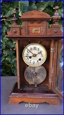 Ancienne pendule musicale en bois, boîte à musique à disque perforé fonctionne