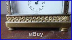 Ancienne pendulette pendule de voyage d'officier en bronze ciselé. Officer clock