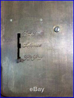 BELLE PENDULE-REVEIL D'OFFICIER. Ancienne. Dans son écrin
