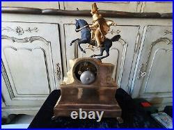 Belle Pendule En Bronze Epoque Empire Representant Napoleon A Cheval