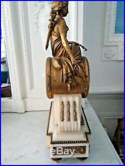 Belle pendule Louis 16, marbre et bronze doré, 19 ème