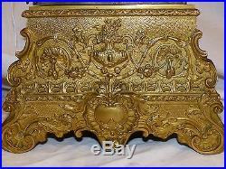 Belle pendule époque restauration en bronze