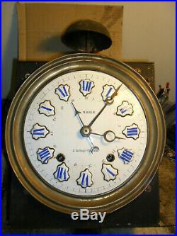 Comtoise mouvement cheville double sonnerie, quantiéme, horloge, pendule, mécanisme