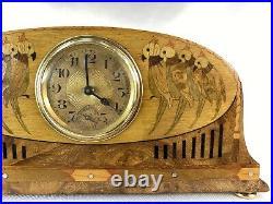 DELICATE PENDULE ART DECO MARQUETERIE Ca. 1925 ESPRIT IRIBE OU MAJORELLE CLOCK