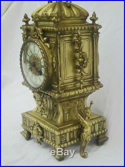 EXCEPTIONNELLE PENDULE EN BRONZE DORÉ A CHIMÈRE CARIATIDE CLOCK Ancienne