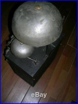 Enormes, Comtoise 3 cloches, 12 Kg H. 55 cm 1840 Parfait état de marche