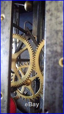 GRAHAM horloge comtoise contoise pendule trotteuse centrale