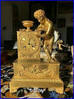 Grande Pendule En Bronze Dore D'epoque Restauration A Restaurer
