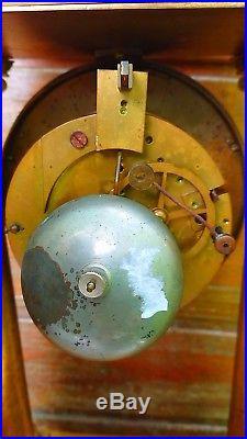 Grande Pendule a colonnes en bronze doré et complications
