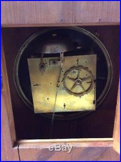 Grande pendule borne en acajou 18 eme siecle hauteur 68cm /largeur 38cm