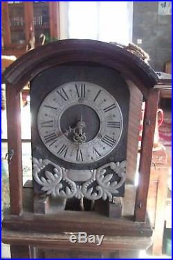 Horloge Cadran en étain 1 main mécanisme complet 17/18em siecle avec sa caisse