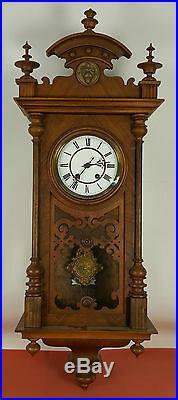 Horloge De Mur En Noyer. Paris Machines. Made In Germany. Xxe Siècle