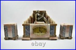 Horloge Pendule Marbre Art déco XXème siècle Jeune fille et hirondelle
