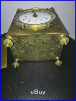 Horloge ancienne Réveil De Voyage Capucine