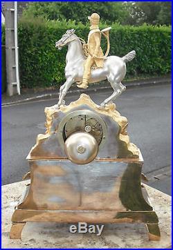Importante pendule bronze 2 tons romantique chasse courre 1820-1830 mvt à fil