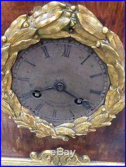 Imposante pendule bronze Restauration XIXème chien et cheval mouvement a fil