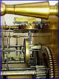 Mouvement signé a Paris CARTEL Fil pendule uhr clock type neuchateloise n 18