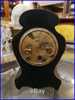 NAPOLEON III PETITE PENDULE BRONZE ET MARQUETERIE DE BOULLE XIX° 18,5 cm