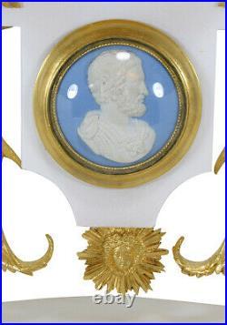 PENDULE MEDAILLON. Kaminuhr Empire clock bronze horloge antique uhren cartel