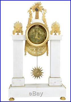 PENDULE PORTIQUE. Kaminuhr Empire clock bronze horloge antique uhren cartel