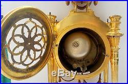 Pendule Portique Louis XVI Bronze Dore Mat & Brillant Carquois Vase 19eme H. 47cm
