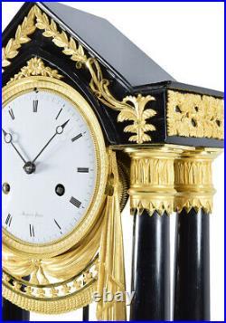 PORTIQUE MUGNIER. Kaminuhr Empire clock bronze horloge antique pendule uhren