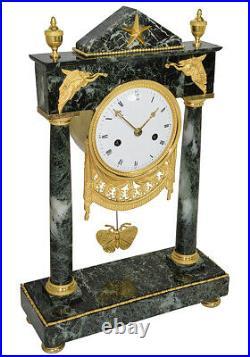 PORTIQUE TEMPLE. Kaminuhr Empire clock bronze horloge antique cartel pendule