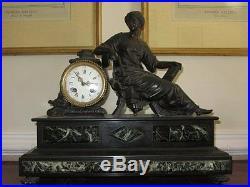 Pendule Avec Regule Patine Bronze Femme Drappee A L'antique Horloge Marbre
