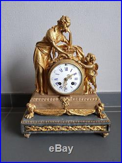 Pendule Bronze Dore Et Marbre Napoleon III Femme Cherubin