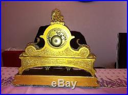 Pendule Bronze dorée et Porcelaine signée Ph. MOUREY style Louis XVI Ancienne