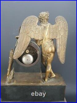 Pendule En Bronze Doré d'époque Empire