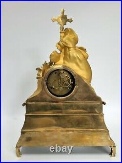 Pendule Epoque Restauration Dore Religieuse Calvaire Decor Femme Croix C2566