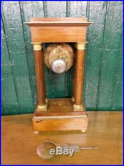 Pendule Horloge A Colonnes N5