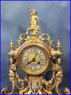 Pendule / Horloge / Garniture De Cheminée En Bronze Doré (dorure Au Mercure)