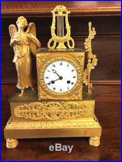 Pendule Louis XVI d'époque bronze doré OR XVIII ème siècle