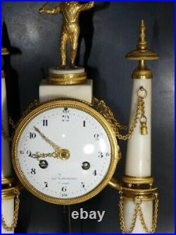 Pendule à colonnes à l'arlequin signée Rouvière à Paris époque Louis XVI 18è