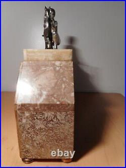Pendule art déco marbre sculpture statue femme nue féminin chèvre cabri régule