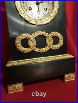 Pendule borne époque EMPIRE RESTAURATION bronze doré mouvement à fil