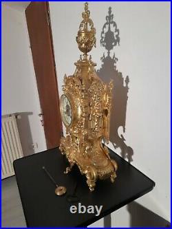 Pendule bronze doré