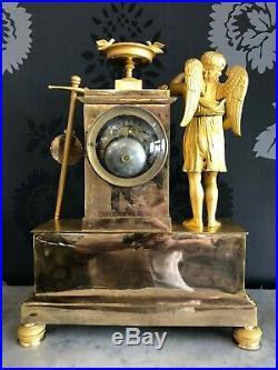 Pendule bronze doré à fil gilt bronze mantel clock