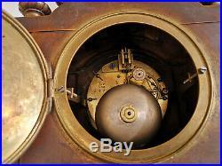 Pendule bronze époque XIXe Très bon état de fonctionnement poids 9,2 kgs H 48 cm