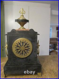 Pendule de cheminée NAPOLEON III Imposante marbre noir et rose rose