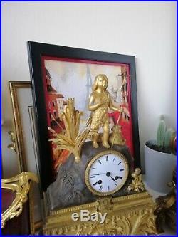 Pendule en Bronze Doré XIXème
