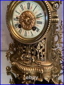 Pendule en bronze de style Renaissance