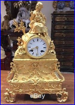 Pendule en bronze doré 19 eme siecle mouvement a fil hauteur 40.5cm