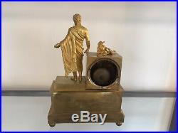 Pendule en bronze doré d'époque Empire général romain 19ème s