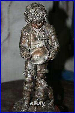 Pendule en bronze et marbre 19eme musicien avec son chien garniture de cheminée